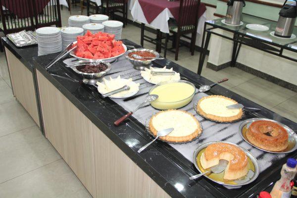 Buffet de sobremesas   Restaurante Hotel Taiyo